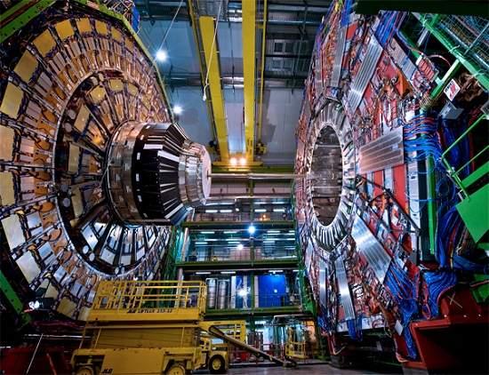 010130120704-detector-lhc